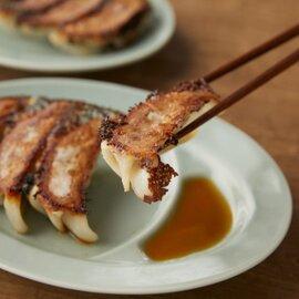 チンジャオロース丼(2個)・中華丼(2個)・餃子(10個)セット