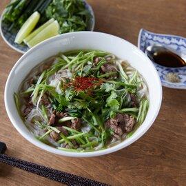 牛肉フォー5食セット+1000円券(セット内容:牛肉入りスープ&フォー)