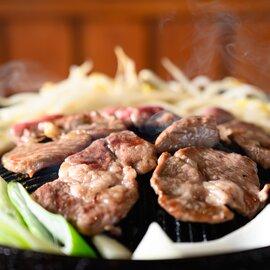やまかの羊肉3種食べ比べ! ジンギスカン 盛り合わせ(生ラム、ラム肩ロース、マトン肩ロース)