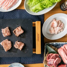 ちょっと贅沢な焼肉セット 8種800ℊ 焼肉のタレ付き ◇送料無料◇