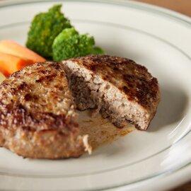 肉汁溢れる牛生ハンバーグ